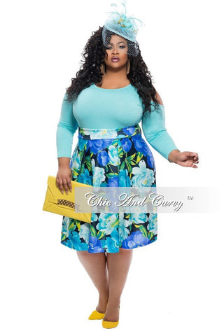 New Plus Size Skirt in Light Blue Floral Print