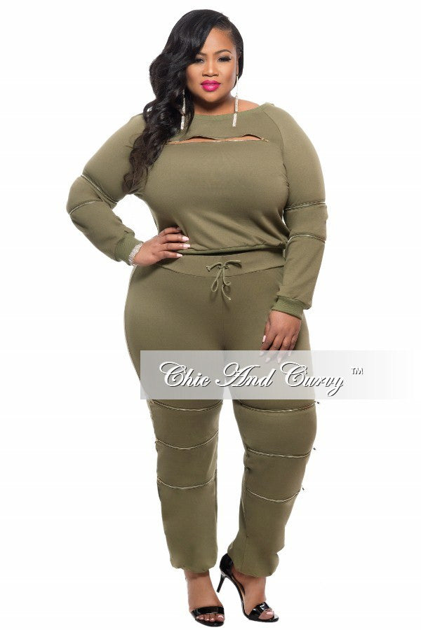 Final Sale Plus Size 2-Piece Top and Pant Set with Zipper Details in Olive Green