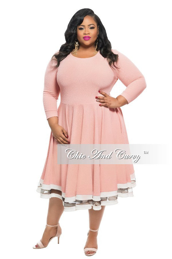 New Plus Size Dress in Light Rose with White Trim – Chic And Curvy