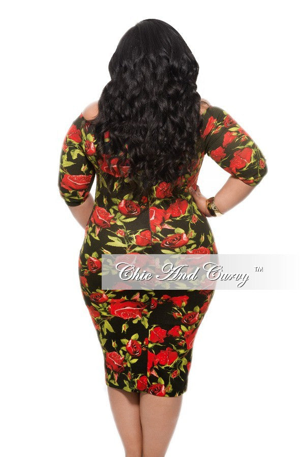 Final Sale Plus Size BodyCon With Keyhole in Black, Green, and Red Floral Print
