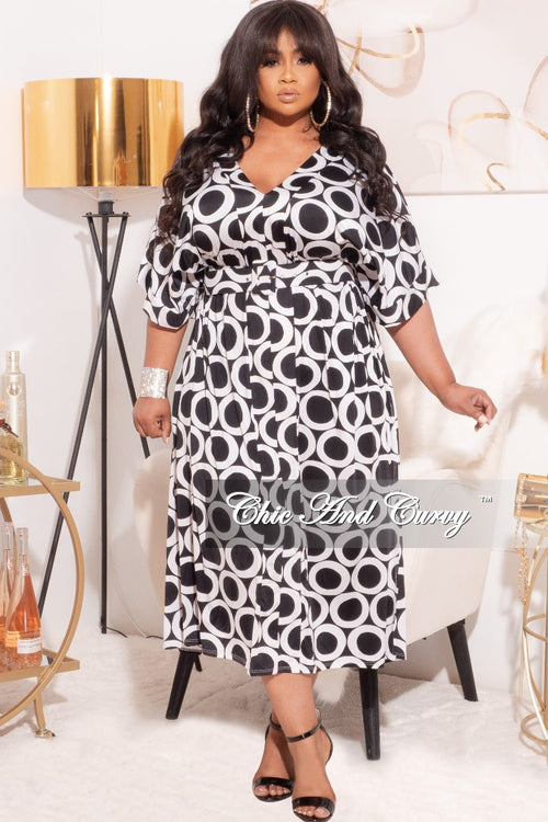 *Final Sale Plus Size Oversized Shirt Dress in Black & White Print