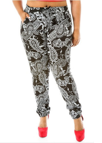Final Sale Plus Size Jogger Long Pants in Black Bandanna Print
