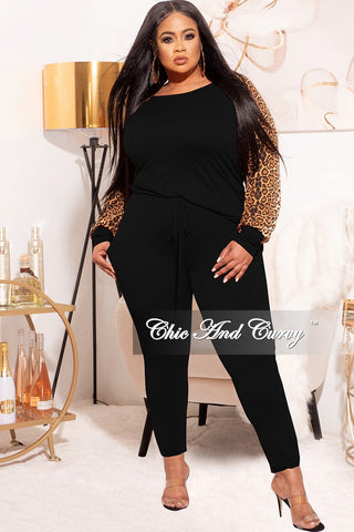 *Final Sale Plus Size 2-Pc V-Neck Tunic Top and Matching Legging Set in Ivory
