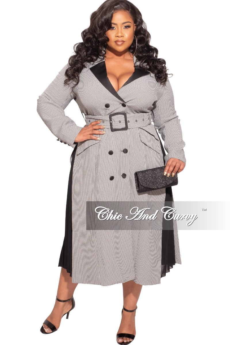 Final Sale Plus Size Trench Coat With Pleats on Sides in Black and White