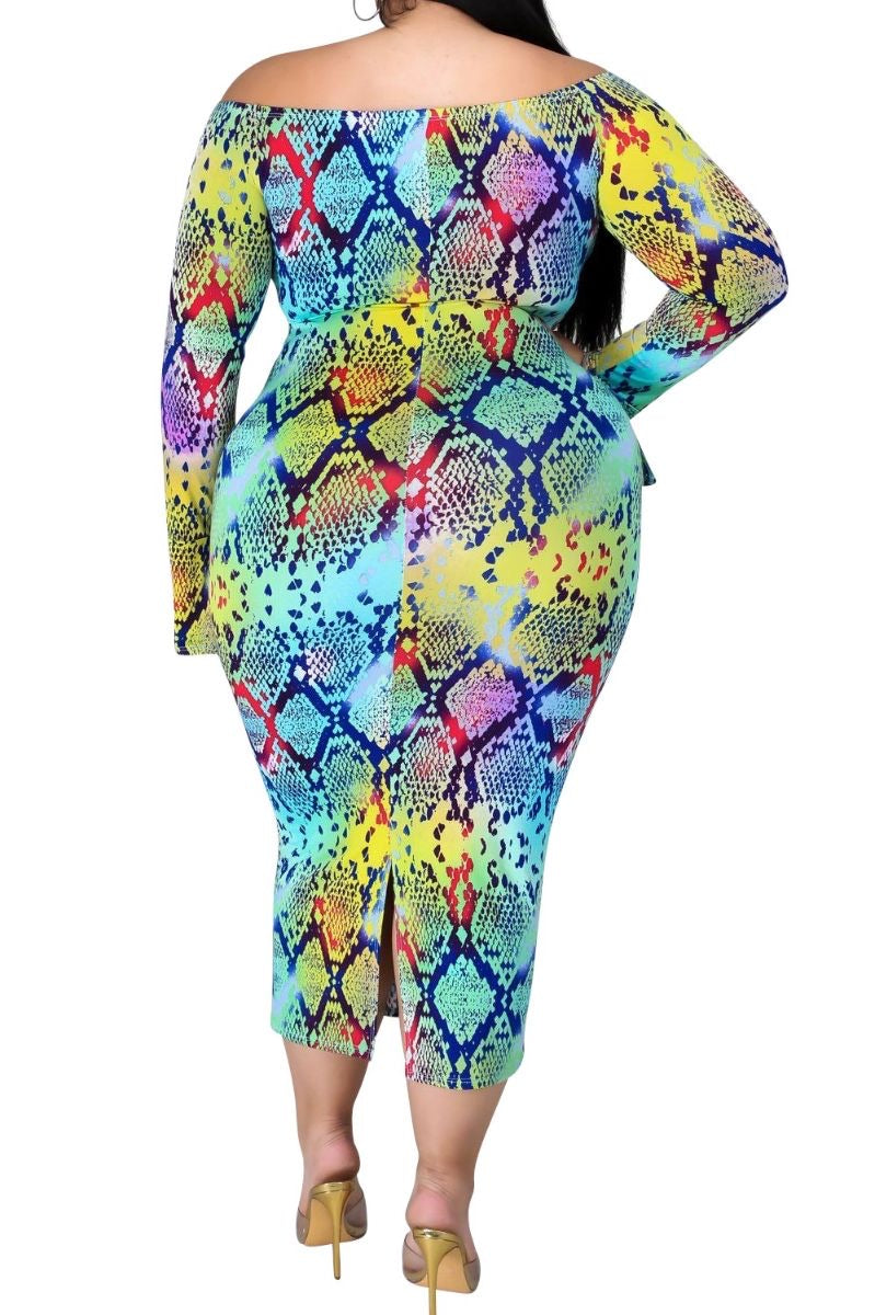 New Plus Size Off the Shoulder BodyCon Dress with Flared Sleeves in Multi-Color Print