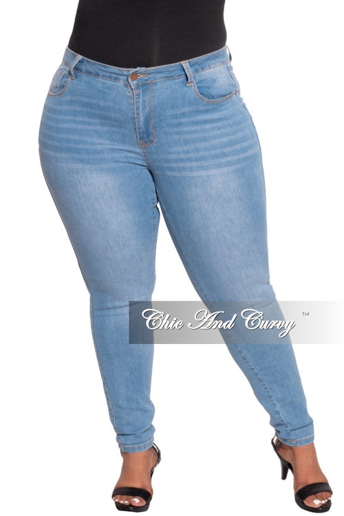 *Final Sale Plus Size Ankle Cuff Boyfriend Light Denim Jeans