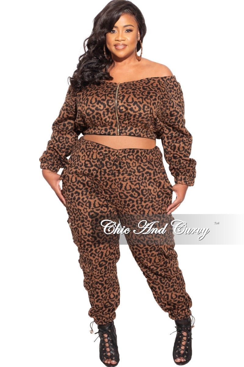 Final Sale Plus Size Off The Shoulder Jogging Set in Animal Print