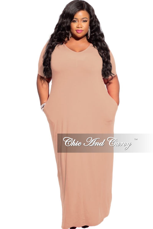 New Plus Size Short Sleeve Pocket Maxi Dress in Toffee