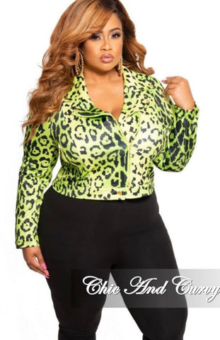 New Plus Size Blazer in Black Floral Print