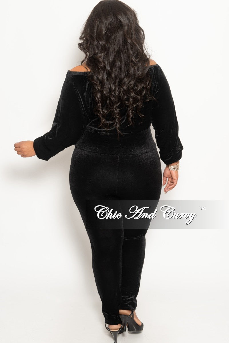 Final Sale Plus Size 2-Piece Velour Off the Shoulder Crop Top and Pants Set in Black