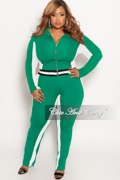 New Plus Size 2-Piece Jacket and Pants Set in Green/White with Black/White Trim
