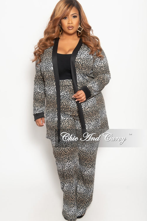 New Plus Size 2-Piece Long Duster and Pants Set in Grey Leopard Print with Black Trim