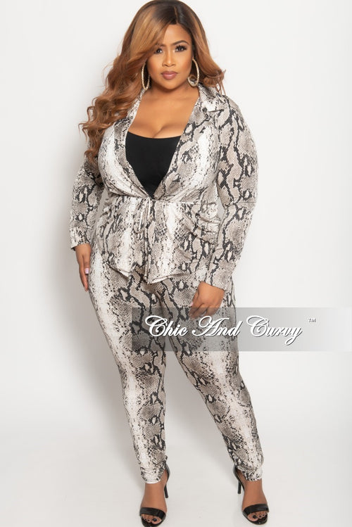 Final Sale Plus Size 2-Piece Lounge Set with Tie in Ivory and Black Snake Print