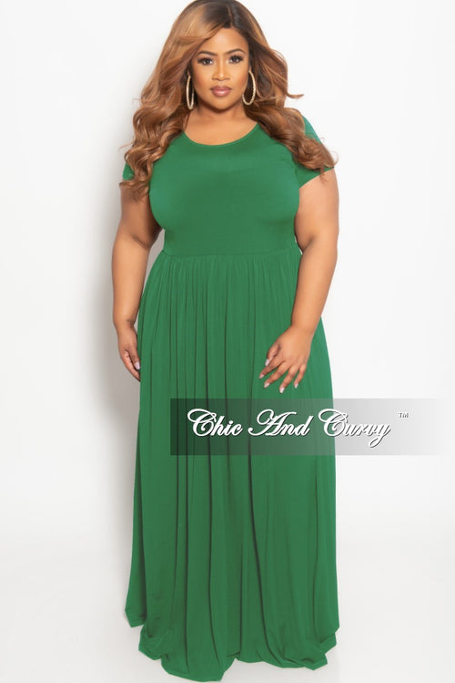 New Plus Size Flowy Maxi Dress in Green