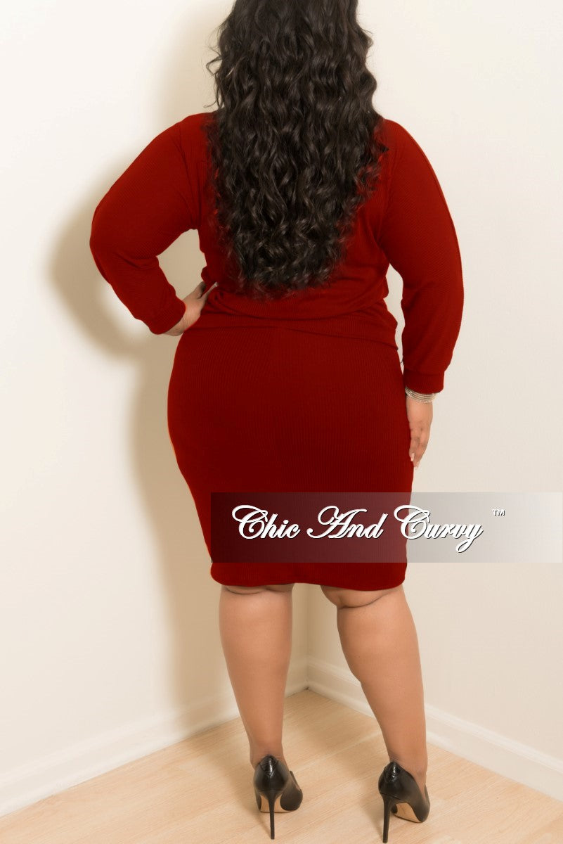 New Plus Size 2-Piece Ribbed Top and Skirt Set in Burgundy