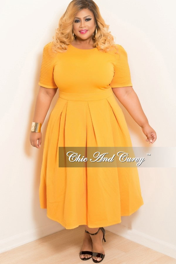 New Plus Size Dress with Short Sleeves in Mustard