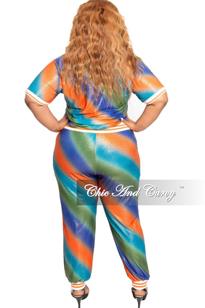 Final Sale Plus Size 2-Piece Gold Shimmer Foil Sporty Top and Pants Set in Multi Color Print