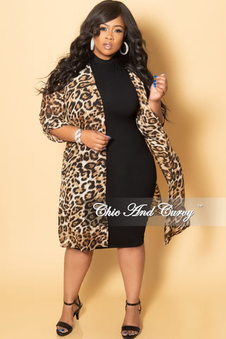 New Plus Size Cardigan w/ Scoop Neck and Button Front in Black