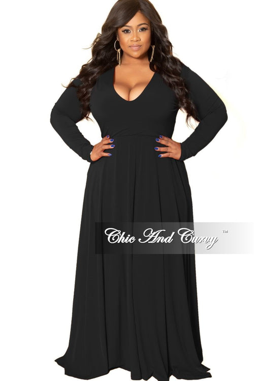 Final Sale Plus Size Long Sleeve Gown with V-Neck in Black