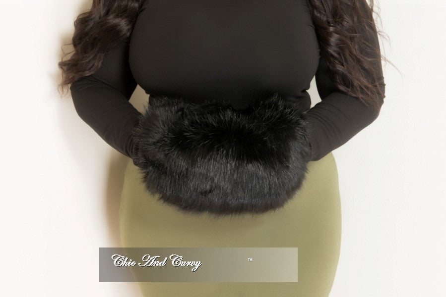 Final Sale Fur Hand Muff Purse with Silver Zipper in Black