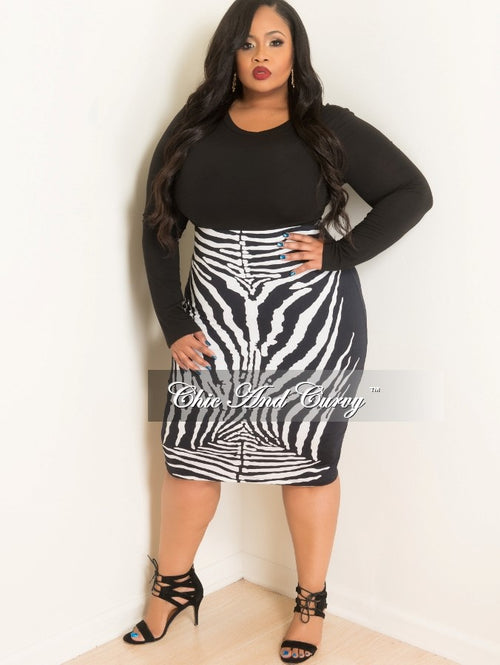 Final Sale Plus Size Pencil Skirt in Black and White