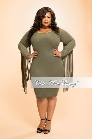 New Plus Size Sleeveless Dress with Front Keyhole in Black – Chic ...