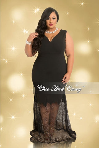 Final Sale Plus Size Sleeveless Deep V-Neck Gown With Mesh Bottom in Black (Seasonal)