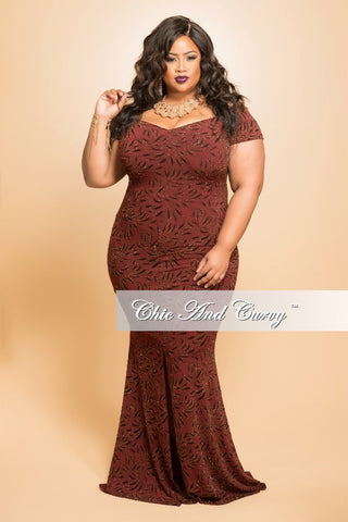 Final Sale (Seasonal) Plus Size BodyCon Gown with Short Sleeves in Burgundy