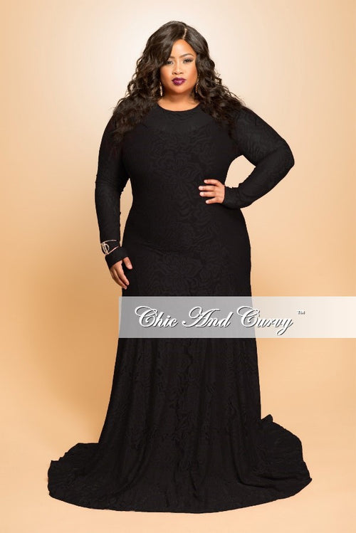 Final Sale (Seasonal) Plus Size Lace Gown with Long Sleeves in Black