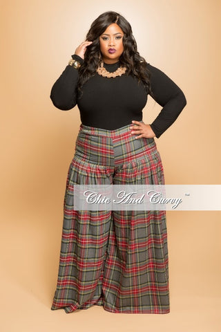New Plus Size Pleated Plaid Pants in  Grey an Red