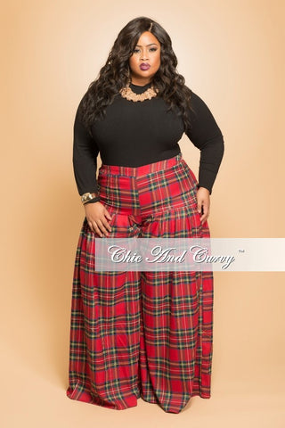 Final Sale Plus Size Pleated Plaid Pants in Red and Green