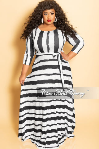 New Plus Size Spaghetti Strap Long Dress with Matching Head Wrap in White and Black Maze Print