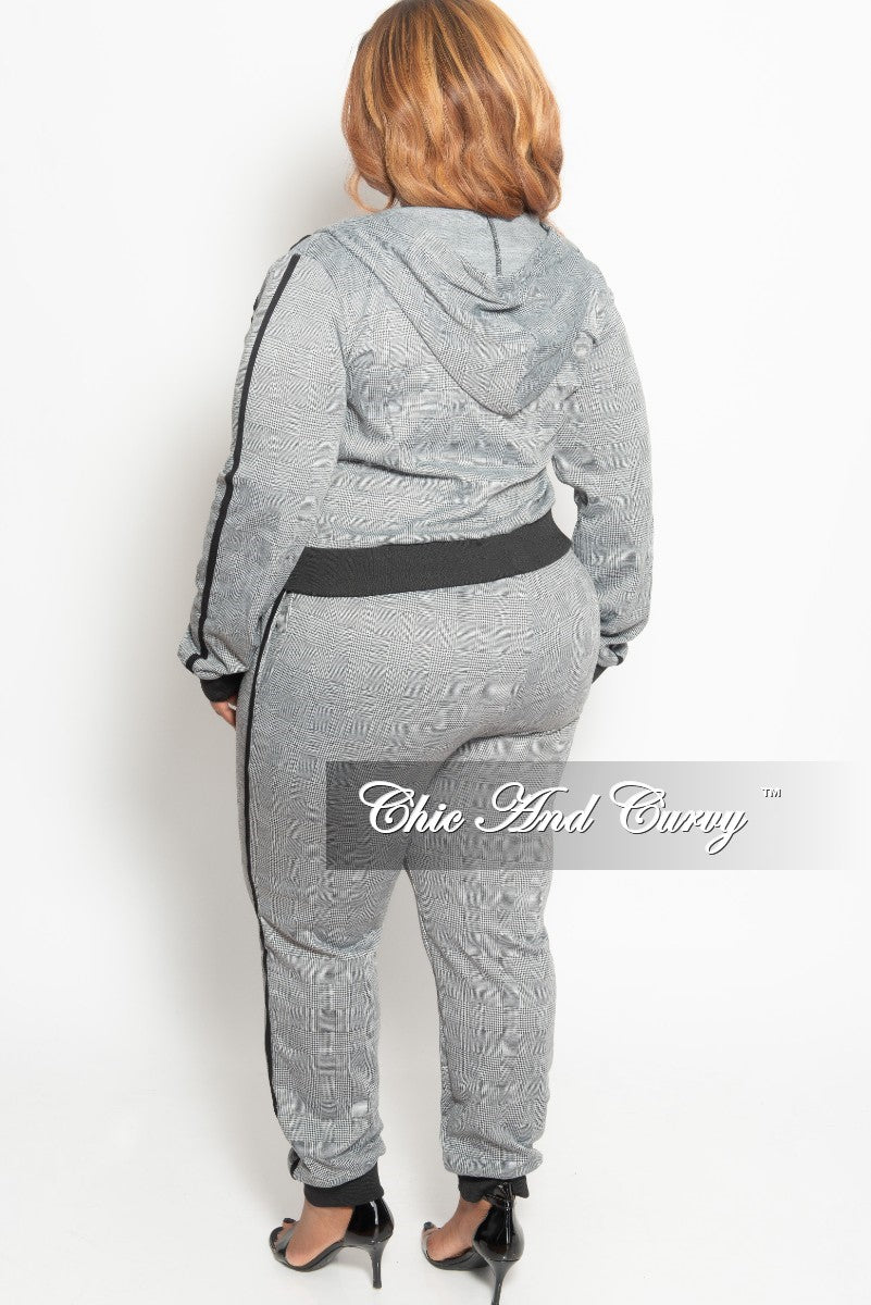 New Plus Size 2-Piece Hooded Zip Up Jacket and Pants Set in Grey Plaid Print