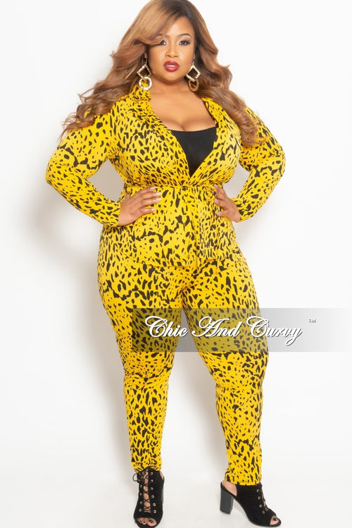 New Plus Size 2-Piece Lounge Set with Tie in Yellow and Black Print
