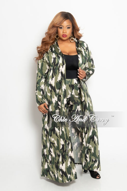 New Plus Size 2-Piece Duster and Pants Set in Light Camouflage Print