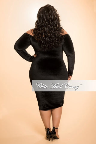 Final Sale (Seasonal) Plus Size Velour BodyCon Dress with Off the Shoulder Long Sleeves in Black