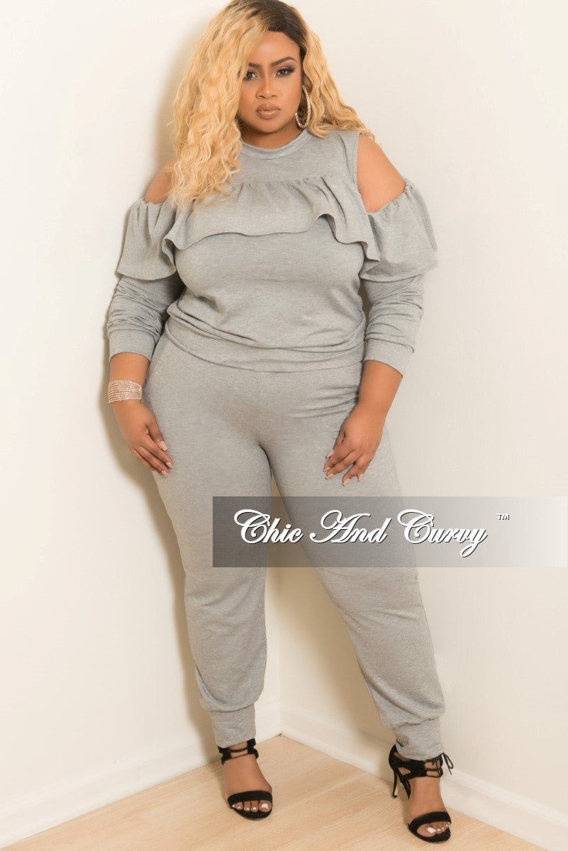 New Plus Size Cold Shoulder Ruffle Top and Pants Set in Grey