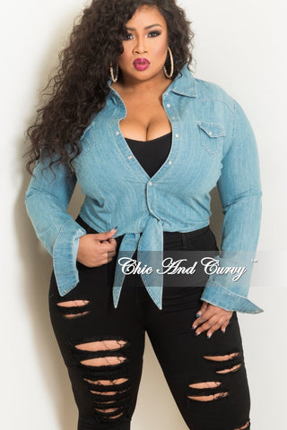 New Plus Size Distressed Jeans in Mint Green