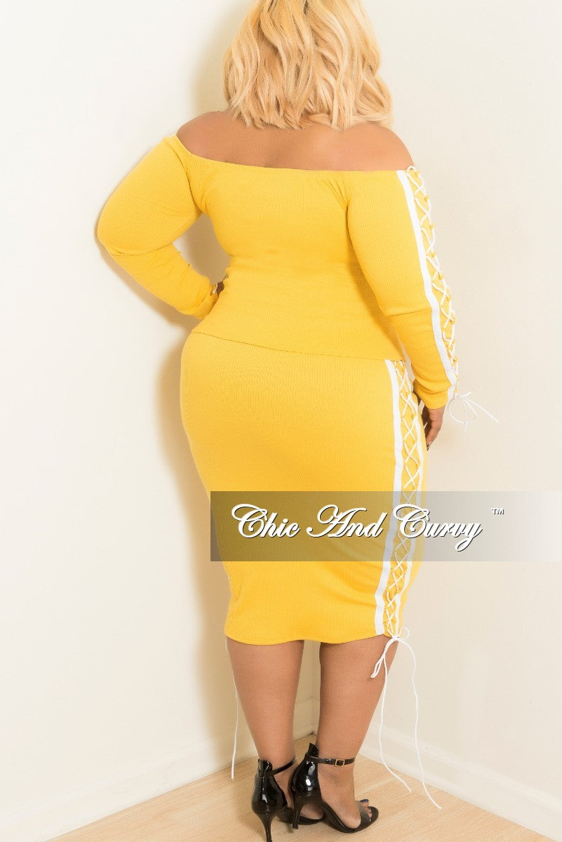 New Plus Size Off the Shoulder Lace Up 2 Piece Top and Skirt Set with White Trim in Yellow Ribbed Fabric
