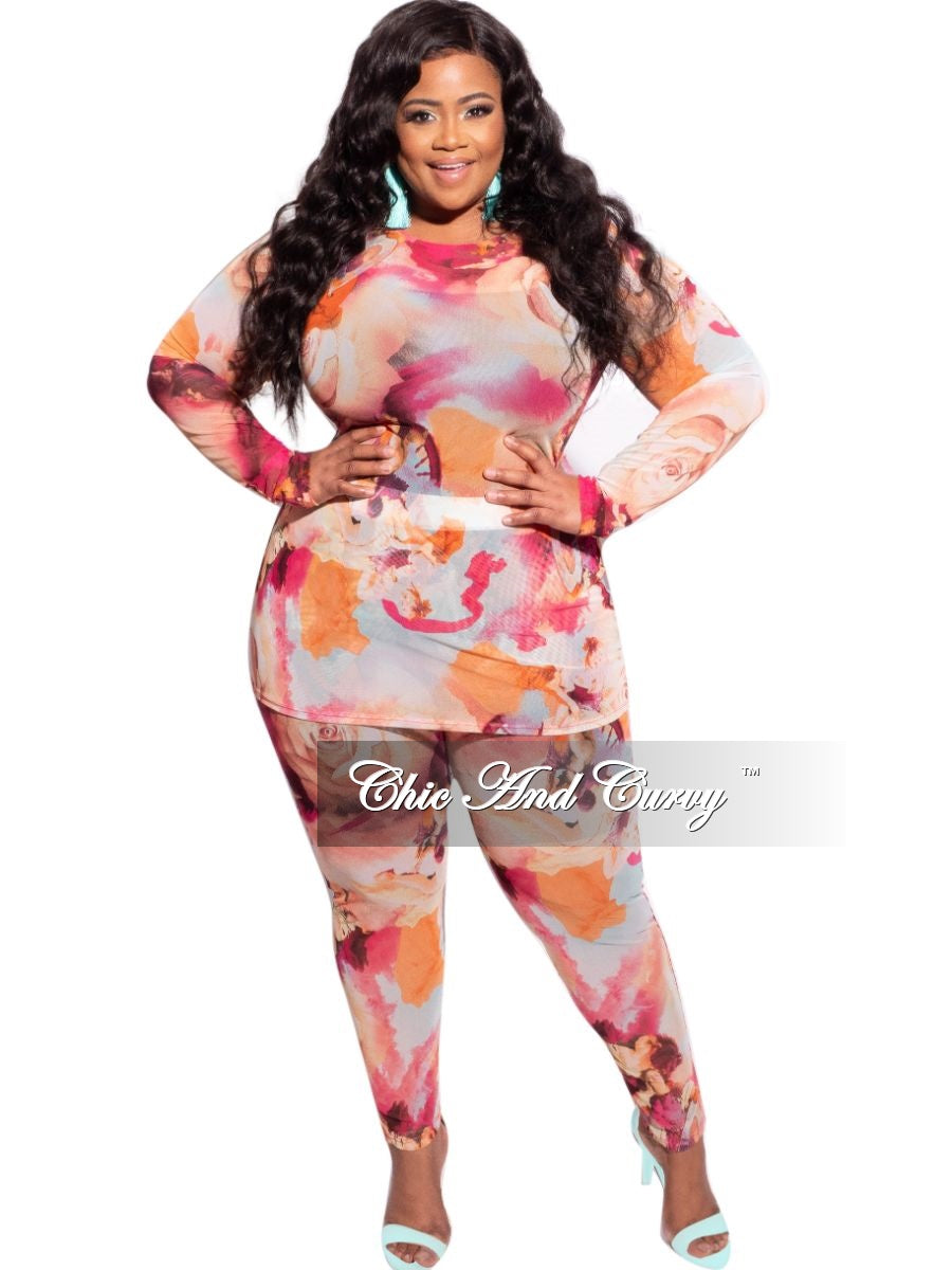 Final Sale Plus Size 2-Piece Top and Legging Set in Rose Abstract Print