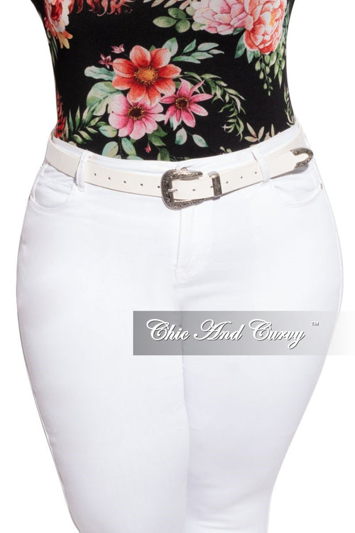 Final Sale Plus Size Vegan Leather Buckle Belt in White & Silver