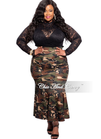 Final Sale Plus Size Ponte Back Slit Pencil Skirt in Black