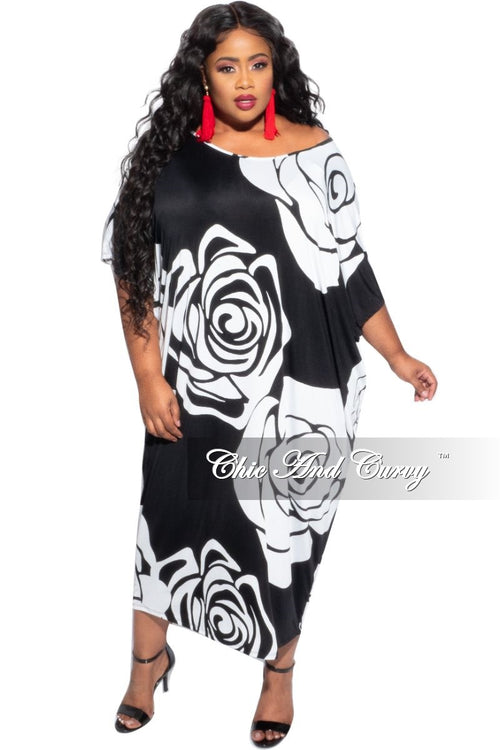 Final Sale Plus Size Oversize Dress in Black and White Rose Print