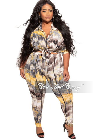 New Plus Size 2-Piece Top and Pants Set in Grey with White Black and Red Trim