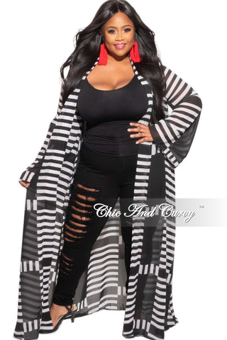 New Plus Size Long Sleeve V-Neck Top with Tulip Hemline in Black