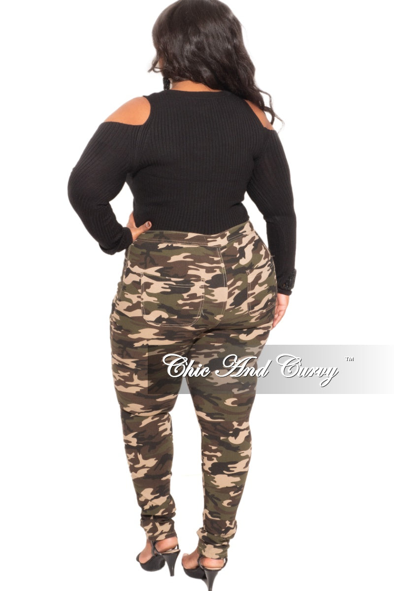 Final Sale Plus Size Open Shoulder Top in Black
