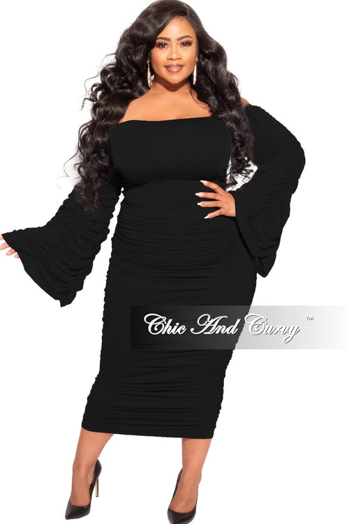 Final Sale Plus Size Ruched Dress in Black