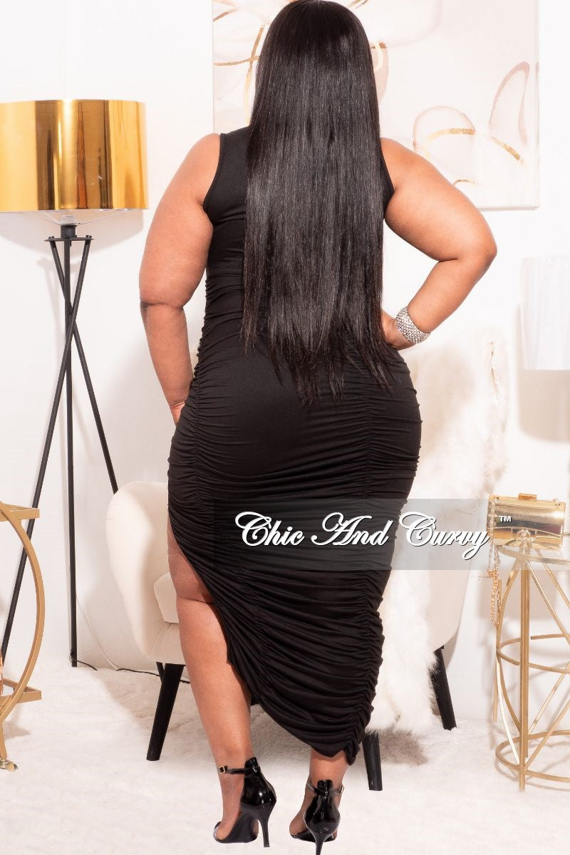 *Final Sale Plus Size Ruched Bodycon Dress with Slit in Black