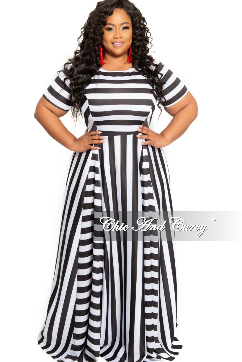 7dffc15b28 Final Sale Plus Size Short Sleeve Maxi in Techno Black and White Multi –  Chic And Curvy