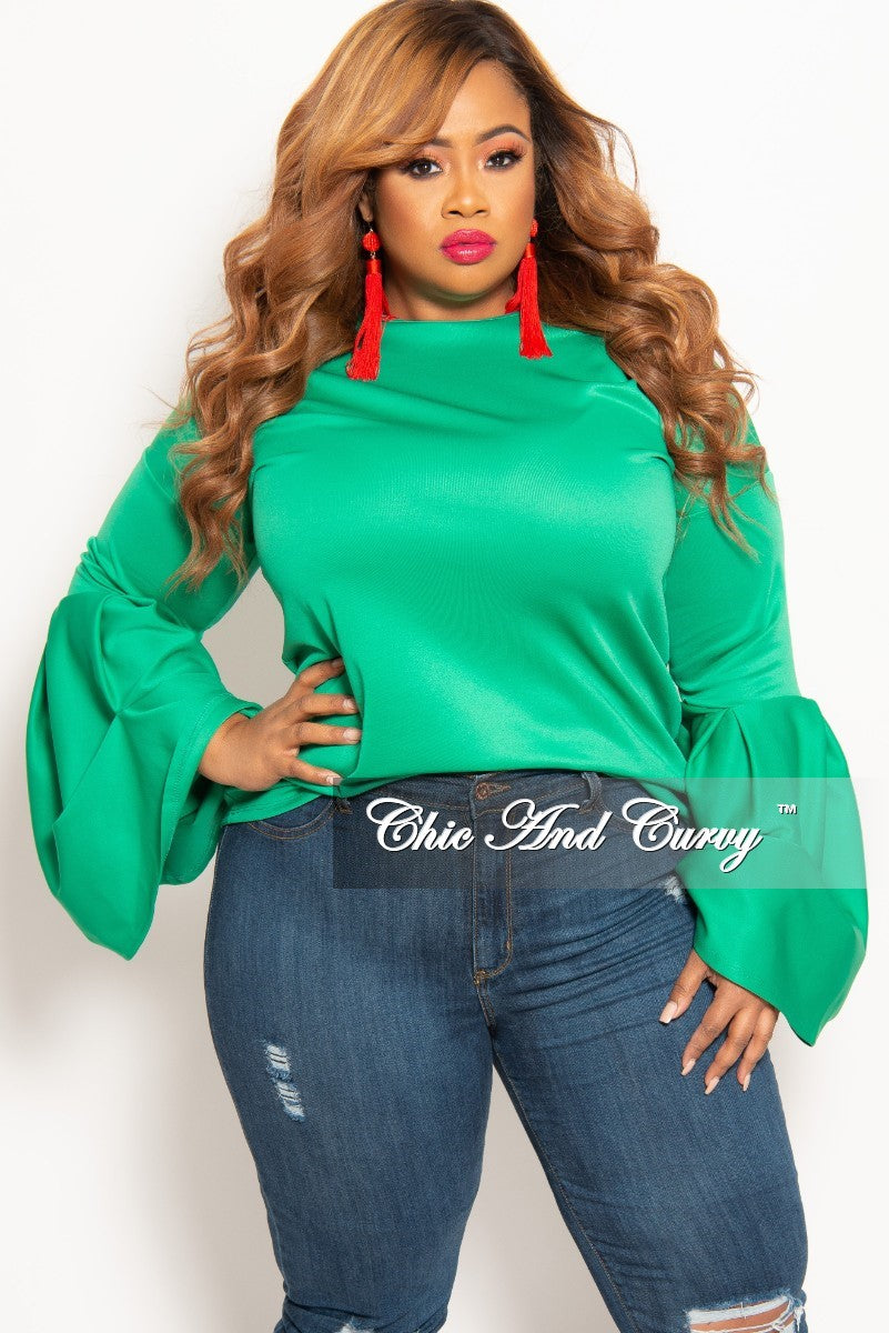 New Plus Size Round Neck Top with Puffy Sleeves in Green